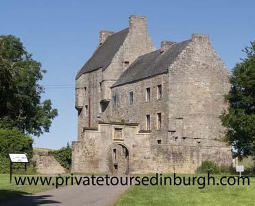 Lallybroch tours , Midhope Castle , Outlander
