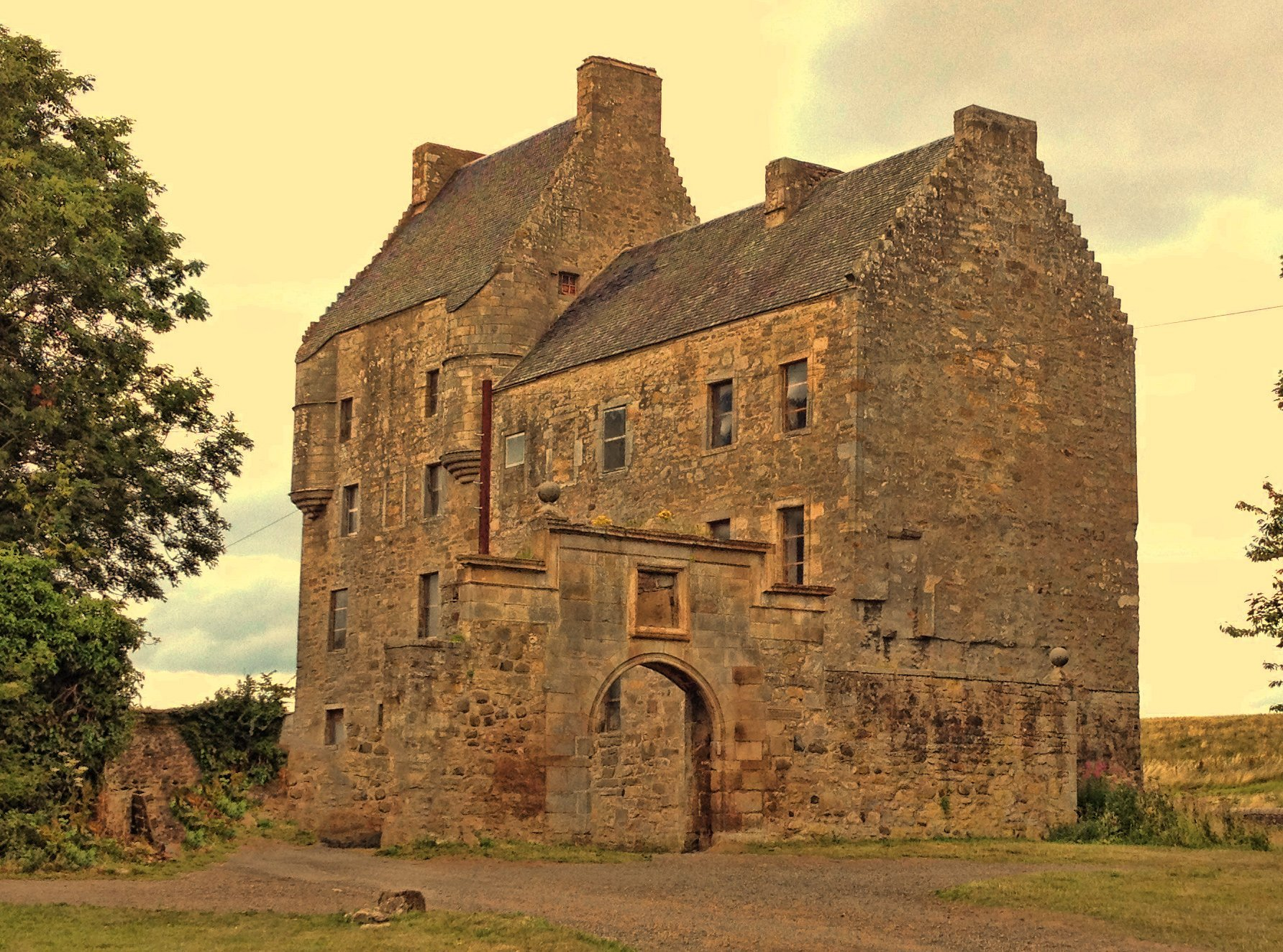 Outlander tour of five Scottish castles including Lallybroch